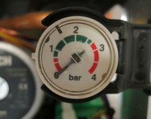 pressure-gauge-low-red-1